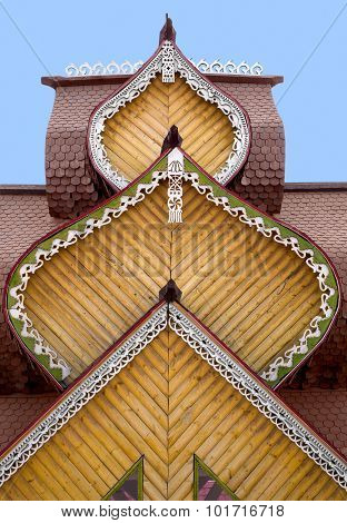 Roof With Carved Platbands