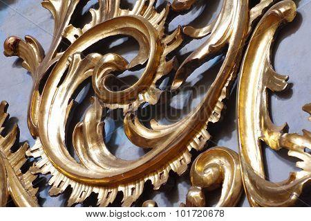 Baroque ornamental spiral gold