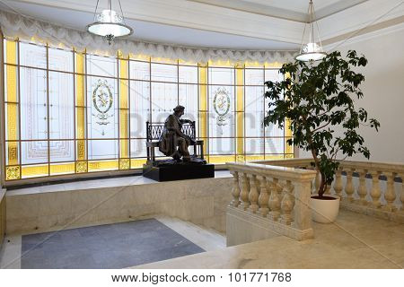 ST. PETERSBURG, RUSSIA - SEPTEMBER 7, 2015: Sculpture of Russian composer M. I. Glinka at the main staircase of the Small Hall of Saint-Petesburg Philharmonia. The Small Hall named after Glinka