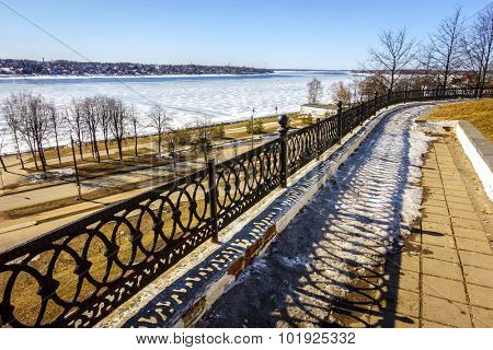 Street along the banks of the Volga River in Kostroma, Russia