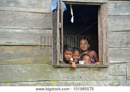 Nicaraguan Children In Window