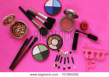 Cosmetics. The composition of eye shadow brushes powder blush mascara
