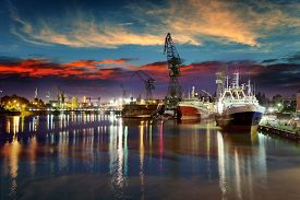 picture of shipyard  - View of the quay shipyard of Gdansk Poland - JPG