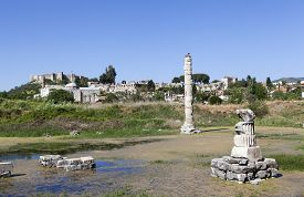 pic of artemis  - Temple of Artemis is one of the 7 wonders of the world of antiquity - JPG