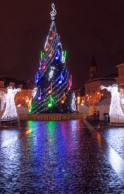 foto of angel-trumpet  - Vilnius Christmas fair at night - JPG