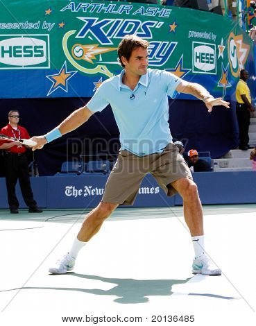 FLUSHING, NY - AUGUST 28: Tennis pro Roger Federer of Switzerland attends Arthur Ashe Kids' Day at the Billie Jean King National Tennis Center on August 28, 2010 in Flushing, New York.