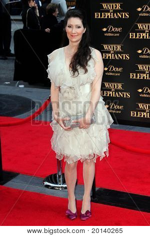 NEW YORK - APRIL 17:  Author Sara Gruen attends the premiere of