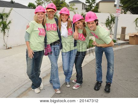 LOS ANGELES -MAY 14: Valerie Wildman, Arianne Zucker, Tamara Braun, Kate Mansi, Francisco San Martin at the Habitat for Humanity Women's Empowerment Build at Carl Street on May 14, 2011 in Pacoima, CA