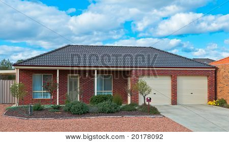 Bungalow With Easy Care Garden