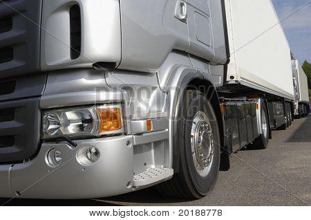 truck chassi idea in silver-grey