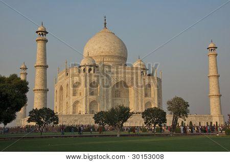 Visiting Taj Mahal in Agra, India