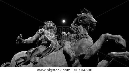 The Statue In The Moonlight