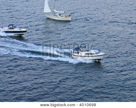 Schnellboote auf See need for speed