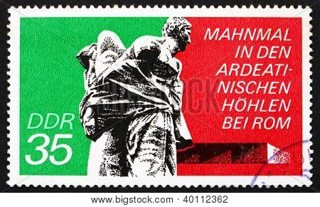 Postage Stamp Gdr 1974 Bound Guerrillas, Ardeatine Caves, Rome