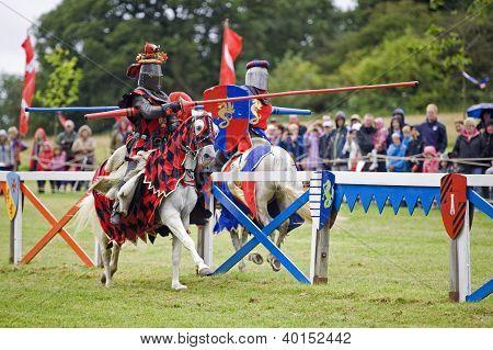 Jousting cavaleiros