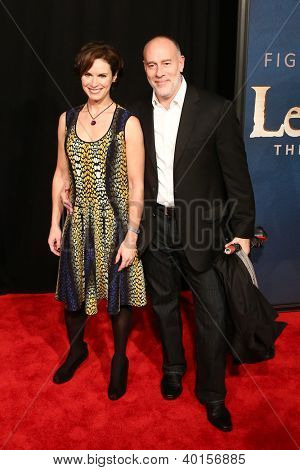 NEW YORK-DEC 10: TV personality Elizabeth Vargas and Marc Cohn attend the premiere of