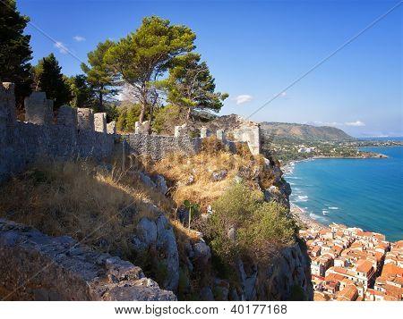 La Rocca Sentry Wall - Cefualu, Sicily
