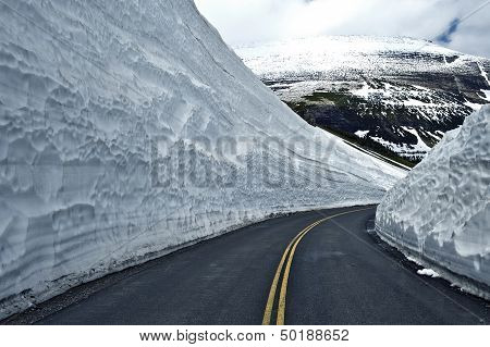 Road Thru Snow
