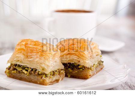 baklava and turkish coffee