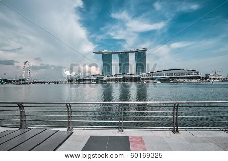 Singapore March 31, 2011: The Marina Bay Sands Resort Hotel