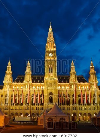 Town hall in Vienna at night