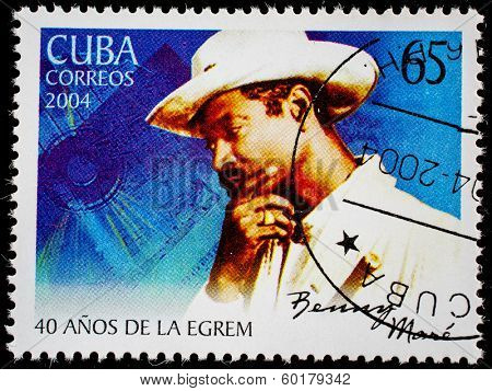 CUBA - CIRCA 2004: A stamp printed in Cuba shows artist, musician, entertainer Benny Maro  circa 2004