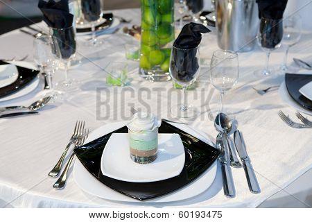 Elegant wedding dinner in black tone