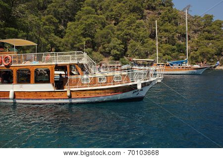 Boat trips for tourists
