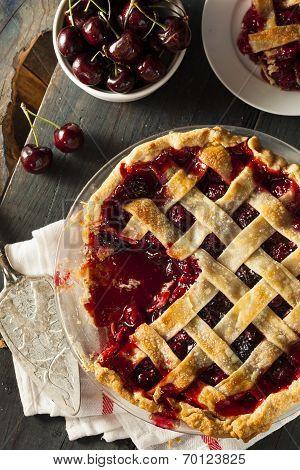 Delicious Homemade Cherry Pie