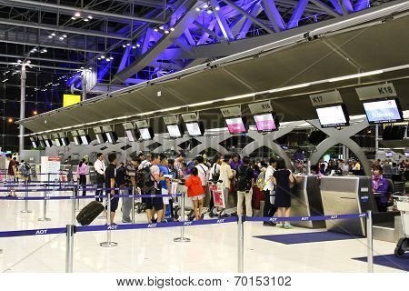 Bangkok - August 15 : People Waiting In Check-in Line K Terminal Of The Bangkok Airport