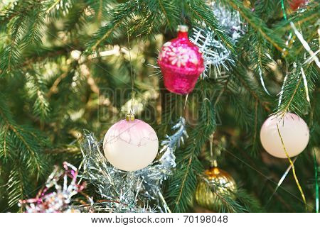 White Balls And Pink House Christmas Decoration
