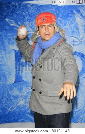 LOS ANGELES - NOV 19: Ken Marino at the premiere of Walt Disney Animation Studios' 'Frozen' at the El Capitan Theater on November 19, 2013 in Los Angeles, CA
