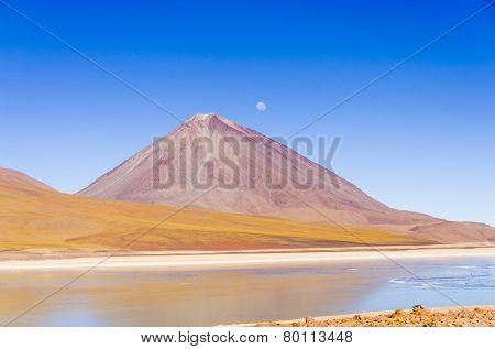 Laguna Verde and Licancabur volcano, Eduardo Avaroa Andean Fauna National Reserve, Sur Lipez, Bolivia