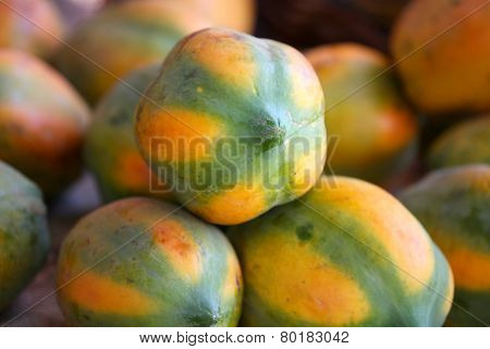 Many delicious Papaya fruits arrangement