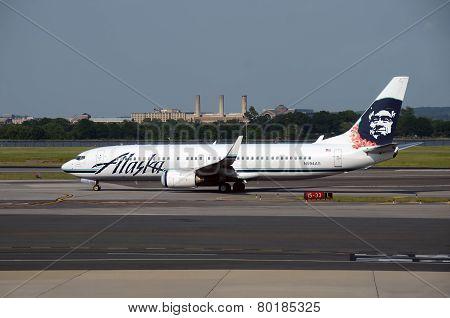 Alaska Airlines Boeing 737 Jet