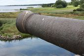 picture of contactor  - Old cannon to defend the castle towards the ocean - JPG