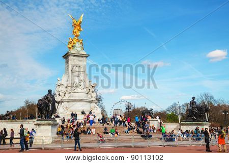 Queen Victoria Memorial Monument In Front Of The Buckingham Palace