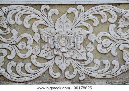 Traditional Thai Art Unpainted Cement Sculture