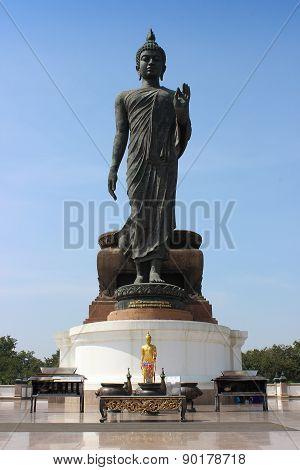 Big standing Buddha