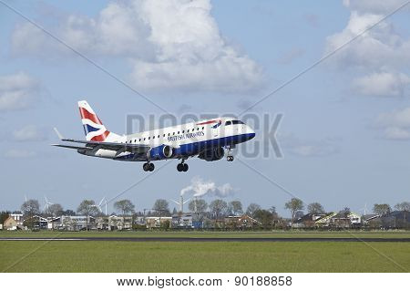Amsterdam Airport Schiphol - Embraer Erj-170 Of British Airways Lands
