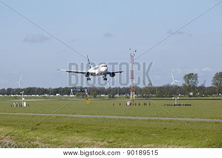 Amsterdam Airport Schiphol - Airbus A318 Of Tarom Lands