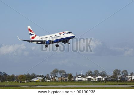 Amsterdam Airport Schiphol - Embraer Erj-170 Of British Airways Cityflyer Lands