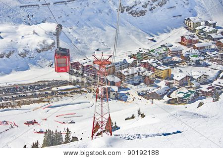 Ski Gondola Cable Car In Lech - Zurs Ski Resort In Austria