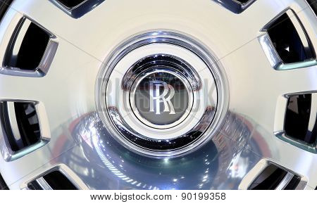 April 2 : Logo Of Roll Royce On Wheel