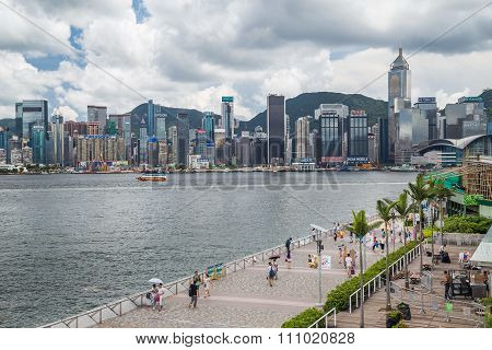 Hong Kong, Sar China - Circa July 2015: Skyline Of Hong Kong Downtown And Avenue Of Stars, Hong  Kon
