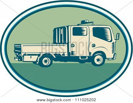 Double Cab Pick-up Truck Oval Woodcut
