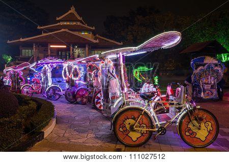 Malacca, Malaysia - Circa September 2015: Rickshaws For Rent On The Night Streets Of Malacca,  Malay