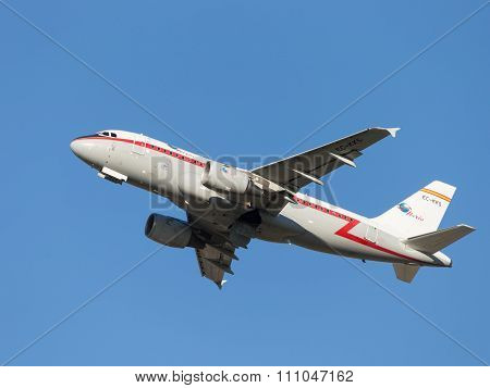 Airbus-a319, Iberia Airlines Takes Off