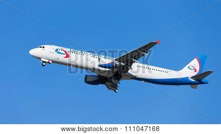 Big Airbus A321 Ural Airlines Flies
