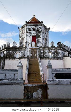 Thailand Asia   In  Bangkok Sunny  Temple Abstract